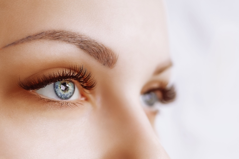 Eyelash-Extension-Procedure.-Woman-Eye-with-Long-Eyelashes.-Close-up,-selective-focus-943394348_3192x2128.jpeg