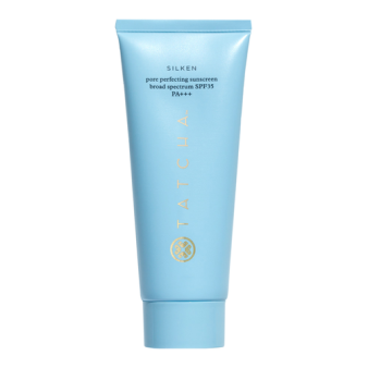 closeup_1_Product_35648_20Tatcha_20Silken_20Pore_20Perfecting_20Sunscreen_20Broad_20Spectrum_20SPF_2035_20PA_b9ac53eefc88fb48293b303b902e2907e24eb2f0_1529570009